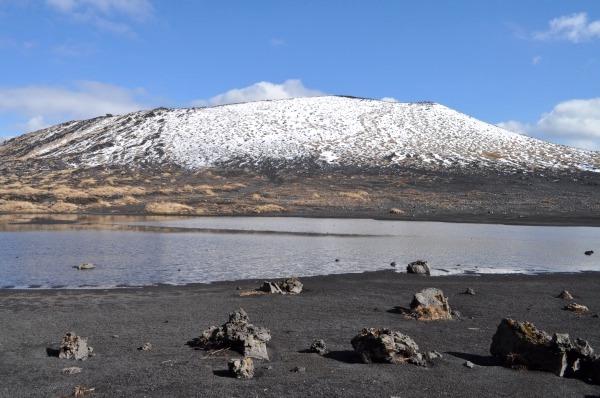 雪の三原山